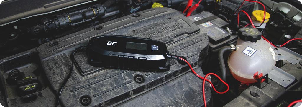 Come si collega il raddrizzatore alla batteria?